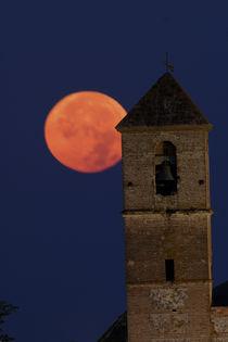 Casares moon by Simon Littlejohn