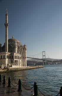 Ortaköy Mosque by Bora eresici