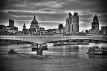 London. The City of London. Skyline and River Thames. von Alan Copson