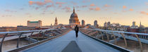 London. St. Paul's Cathedral and Millennium Bridge. von Alan Copson