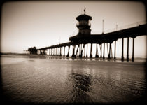Huntington Beach Pier by Tracey  Tomtene