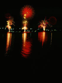 Sea Fireworks II by gallery-b
