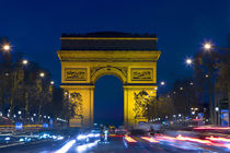 France, Paris. The Arc de Triomphe and the Champs Elysees at twilight von Danita Delimont