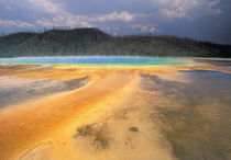 NA, USA, Wyoming, Yellowstone NP Grand Prismatic Geyser von Danita Delimont