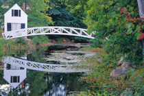 NA, USA, Maine.  Bridge over pond in Somesville. von Danita Delimont