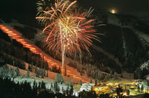 Torchlight parade and fireworks during Winter Carnival at Big Mountain von Danita Delimont