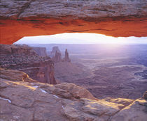 USA, Utah, Canyonlands National Park. Sandstone formations at sunrise von Danita Delimont