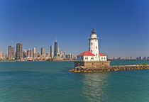 Passing by Chicago Harbor Lighthouse.USA von Danita Delimont