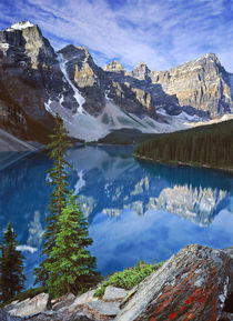 Moraine Lake, Canadian Rockies by Stephen Weaver