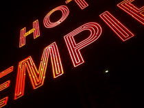 "NEw York City , USA  ""hotel empire sign"" von ushkaphotography"