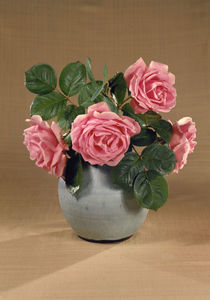 Vase mit rosafarbenen Rosen / Foto von AKG  Images
