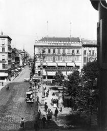 Unter den Linden,Cafe und Hotel Viktoria by AKG  Images