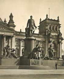 Berlin, Bismarck Denkmal / Foto 1905 von AKG  Images