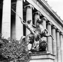 Berlin,Loewenkaempfer vor Altem Museum by AKG  Images