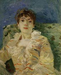 B.Morisot, Junge Frau auf dem Sofa by AKG  Images