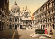 Venedig, Innenhof / Photochrom von AKG  Images