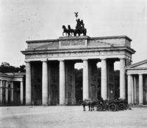 Brandenburger Tor,Seite Pariser Pl./Levy by AKG  Images