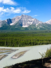Along the Icefields Parkway by Joel Morin