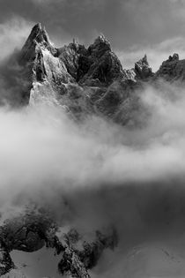 Chamonix Mountain Cloud von Angela Percival