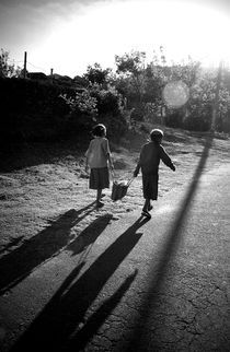 Two little girls, India by Alex Soh