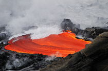 River of molten lava flowing to the sea, Kilauea Volcano, Hawaii Islands, United States von Sami Sarkis Photography
