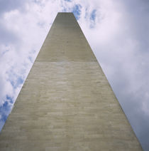 Low angle view of a monument, Washington Monument, Washington DC, USA von Panoramic Images
