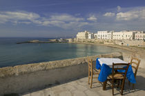 High angle view of a table and a chair in a cafe, Gallipoli, Apulia, Italy von Panoramic Images