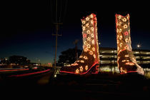 World's Biggest Cowboy Boots Sculpture by Bob 'Daddy O' Wade von Panoramic Images