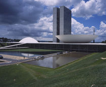 Low angle view of a building, National Congress Building, Brasilia, Brazil von Panoramic Images