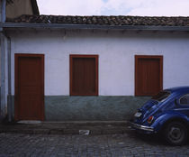 Car parked in front of a house, Ouro Preto, Minas Gerais, Brazil von Panoramic Images