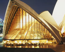 Building lit up at night, Sydney Opera House, Sydney, Australia von Panoramic Images