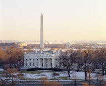 View of the White House and Washington Monument at sunset, Washington DC, USA von Panoramic Images