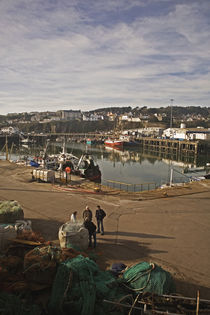 Fishermen in Fishing Harbour, Dunmore east, County Waterford, Ireland von Panoramic Images