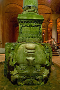Close-up of a statue at a basilica cistern, Istanbul, Turkey von Panoramic Images
