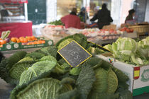 Vegetables in a market stall, Place aux Herbes, Grenoble, French Alps, France von Panoramic Images
