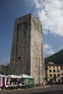 Medieval tower in a city, Como, Lakes Region, Lombardy, Italy von Panoramic Images
