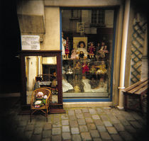 Dolls for display in a store, France von Panoramic Images