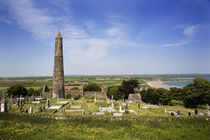 12th Century Round Tower, Ardmore, County Waterford, Ireland von Panoramic Images