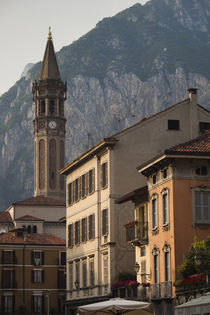Basilica in a town von Panoramic Images