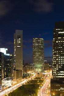 City lit up at dusk, Atlantic Avenue Greenway, Boston, Massachusetts, USA von Panoramic Images