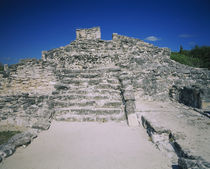 Ruins of an ancient building, El Rey ruins, Cancun, Quintana Roo, Mexico by Panoramic Images
