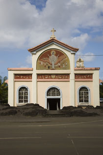 Low angle view of a church von Panoramic Images