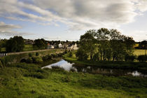 Old Bridge over the King's River, and Kells Village, County Kilkenny, Ireland von Panoramic Images