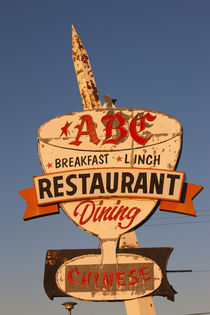 Low angle view of a restaurant sign von Panoramic Images