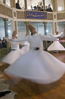 Whirling Dervishes performing dance, Istanbul, Turkey von Panoramic Images