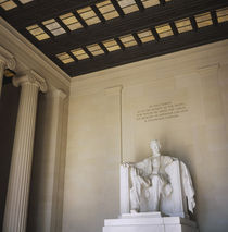 Low angle view of the statue of Abraham Lincoln von Panoramic Images