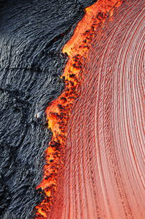 River of molten lava, close-up, Kilauea Volcano, Hawaii Islands, United States von Sami Sarkis Photography