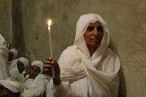Easter, Ethiopian Orthodox pilgrims at the Church of the Holy Sepulchre von Hanan Isachar