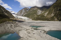 Terminal moraine near the Fox Glacier, West Coast von Ross Curtis