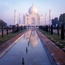 Morning Taj Mahal, India von Eugene Zhulkov
